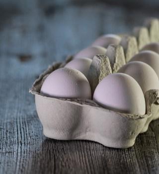 Se eleva el precio de los huevos debido a las compras de pánico
