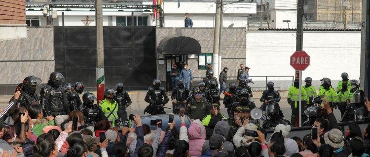 Mueren 23 en motín de prisión de Colombia motivado por Coronavirus