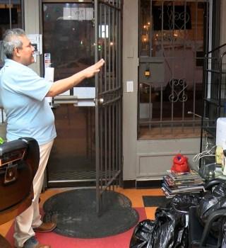 Comienza cierre de negocios no esenciales en DC
