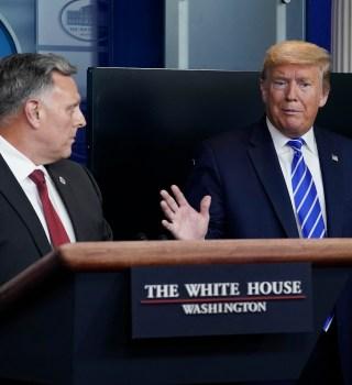 Trump sugiere desinfectar los pulmones con… ¿clorox?