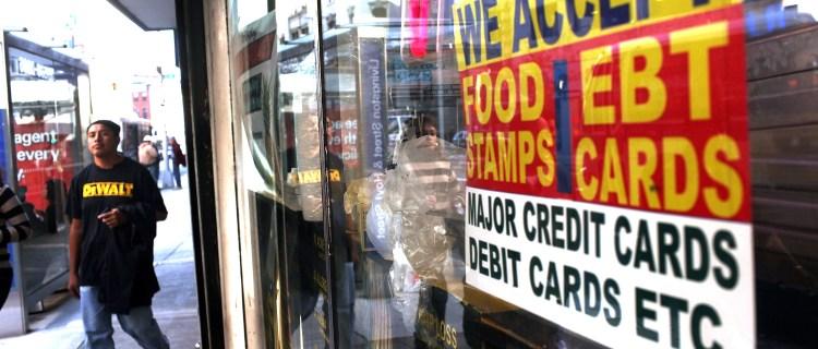 Biden aumenta el monto semanal de los «Food Stamps»
