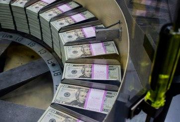 La economía de EEUU se contrajo 4.8% en el primer trimestre
