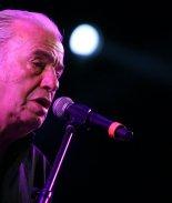 Murió el cantautor mexicano Óscar Chávez, al parecer de Coronavirus
