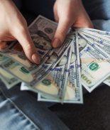 California planea crear un cheque de desempleo de $600 semanales