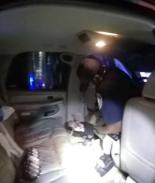 Tras un choque policía rescató a un bebé atrapado bajo el asiento