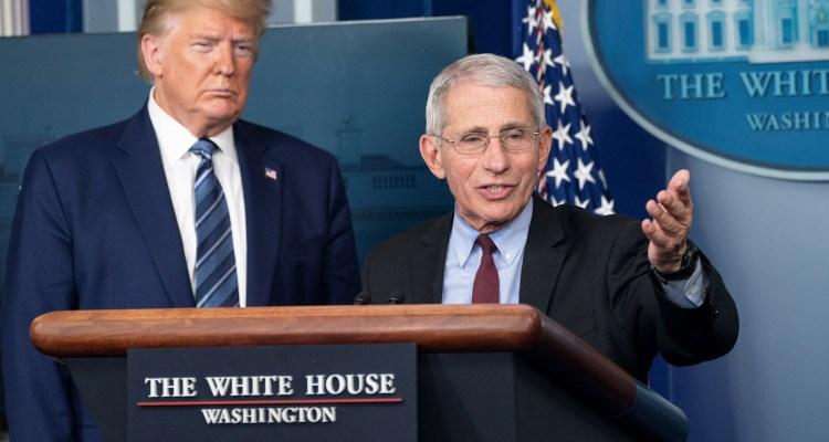Estadounidenses le creen más a Fauci que a Trump sobre coronavirus