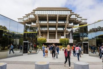 Estudiantes de UC San Diego regresan al campus