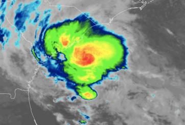 Tormenta tropical Bertha toca tierra en Carolina del Sur