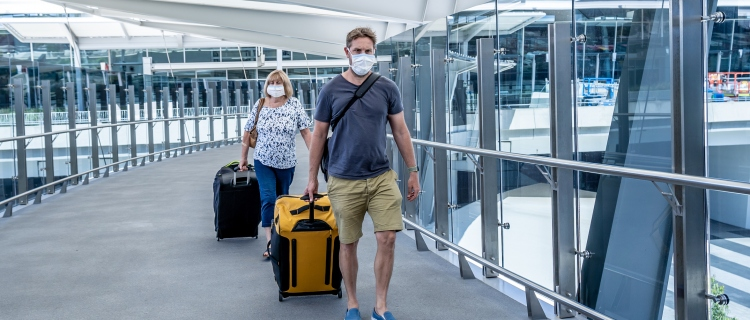 CDC elimina la recomendación de hacer cuarentena después de viajar