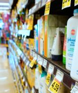 Johnson & Johnson dejará de vender talco tras demandas por cáncer