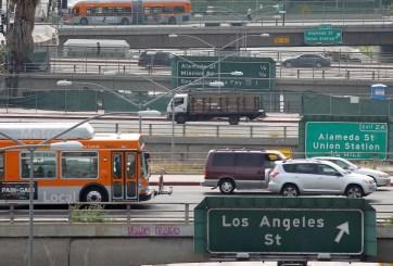 Gobierno elimina normas de eficiencia de combustible de era de Obama