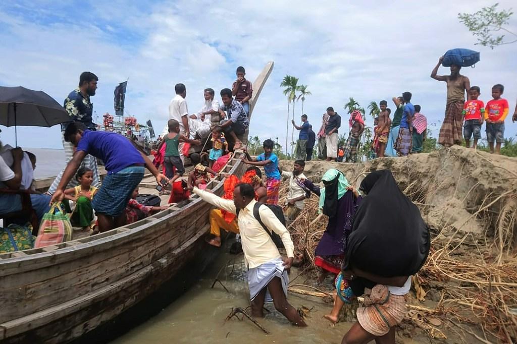 ciclón en india y bangladesh