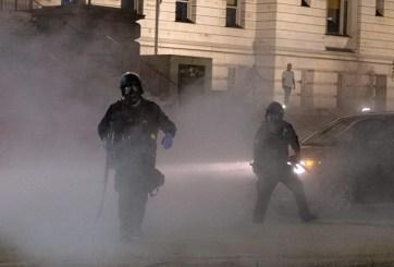 Los gases lacrimógenos de las protestas pueden propagar el coronavirus