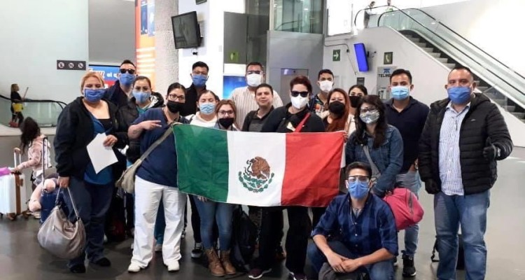 Rescatan 17 médicos secuestrados en México