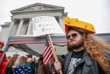 Corte Suprema de Wisconsin anula orden estatal de quedarse en casa