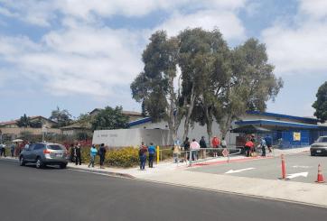San Ysidro continúa con programa de comida gratis durante pandemia