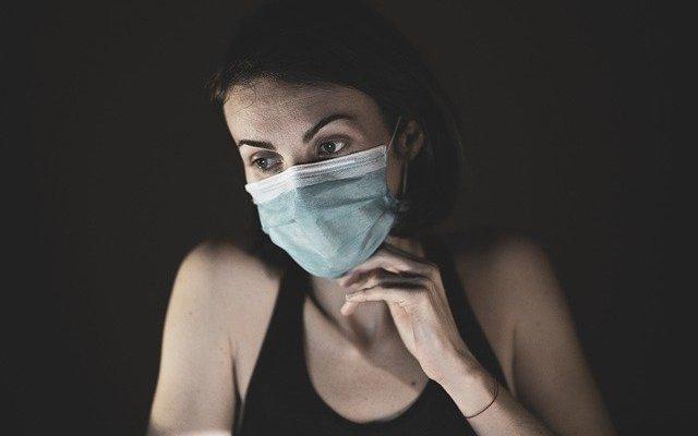 mujer coronavirus