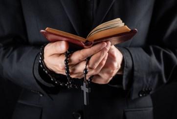 Exsacerdote dejó la Iglesia y encontró el amor en periodista