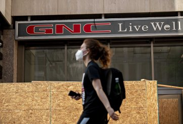 Cerrarán más de 1 mil tiendas de GNC tras declararse en bancarrota