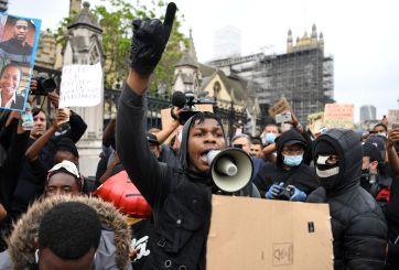 Estrellas apoyan a actor John Boyega tras emotivo discurso en protesta