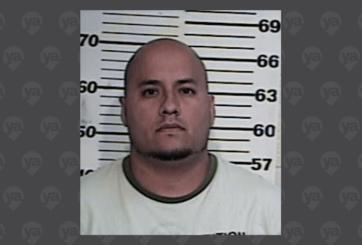 Autoridades buscan a hombre con una orden de arresto por robo