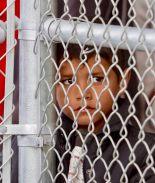 Gobierno aloja a niños migrantes en hoteles de la frontera