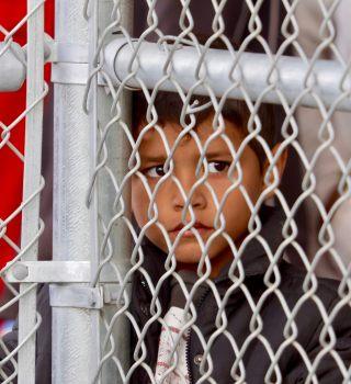 Trump quiso impedir la liberación de niños migrantes en campos de ICE