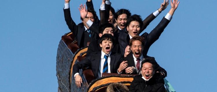 Prohíben gritar en parques de diversión de Japón debido al Coronavirus