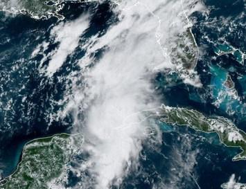 Marco provoca advertencia de huracán en la costa norte del Golfo