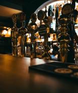 Juez ratificó orden estatal de mantener bares de Florida cerrados