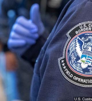 Alerta para viajes no esenciales a Estados Unidos sigue vigente