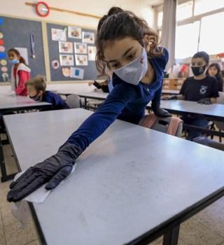 Más de 97 mil niños tienen COVID y se siguen abriendo escuelas
