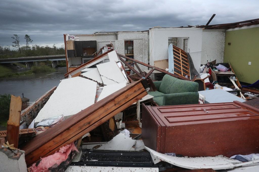 devastación huracán Laura