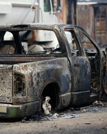 Queman la camioneta de bombero porque pensaron que tenía Covid-19