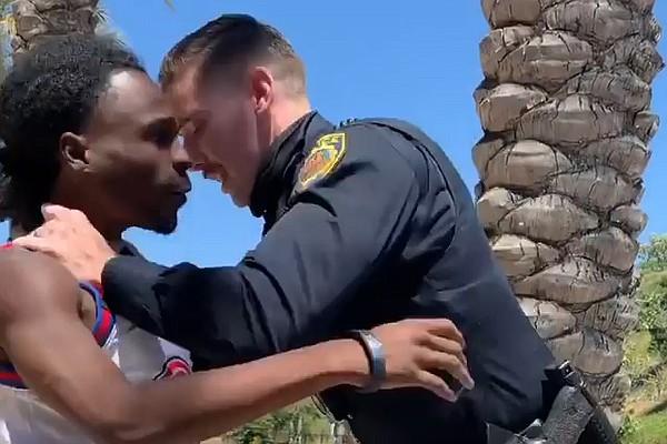 Acusan expolicía de La Mesa de presentar reporte falso al arrestar un hombre negro