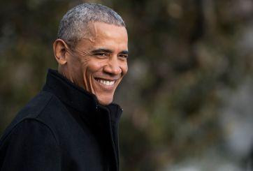 Barack Obama comparte su teléfono para que le textees