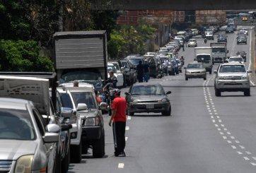 Venezuela inmersa en crisis por escasez de gasolina, siendo petrolera