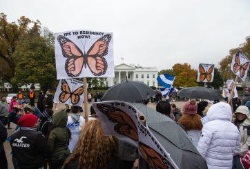 Corte da luz verde a Trump para terminar el TPS para salvadoreños