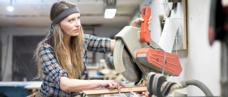 Mujer se amputó la mano con una sierra para una estafa de $1 millón
