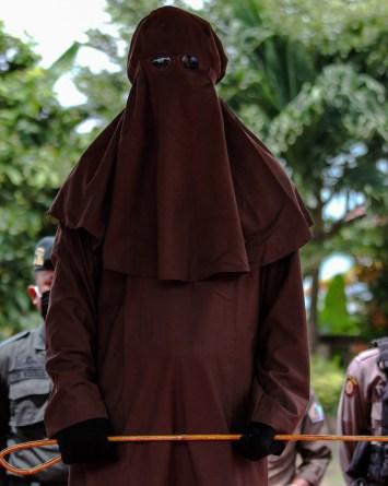 Con 169 latigazos castigaron a hombre por abusar de niños