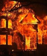 Un solo incendio en California obliga a 5 mil a evacuar sus hogares