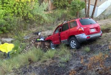 Muere pasajera tras accidente vehicular en Spring Valley