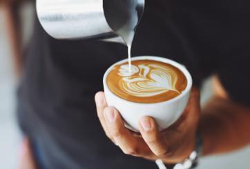 Café gratis en Starbucks, Dunkin', Godiva y más este 29 de septiembre