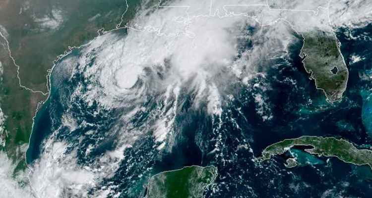 NOAA vía AP. Tormenta Tropical Beta.