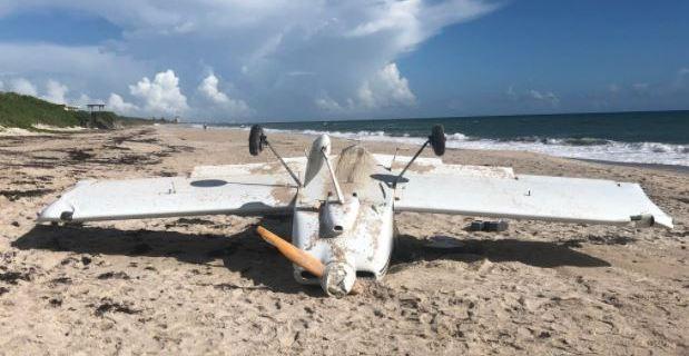 Se estrella avioneta experimenta en la playa de Melbourne