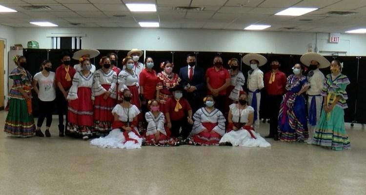Grupo Folclórico Mahetzi mantiene viva la cultura mexicana en Tampa