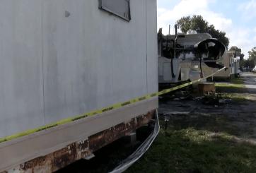 Joven murió atrapado en incendio de casa móvil en Pinellas Park