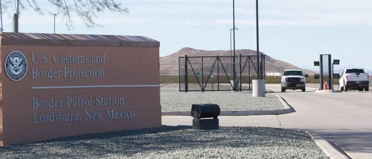 Agentes de CBP disparan a pollero al huir de un arresto en Nuevo Mexico