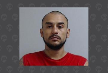 Arrestan a hombre acusado de robo de vehículo y otros delitos