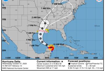 El centro del huracán Delta está apunto de dejar la península de Yucatán